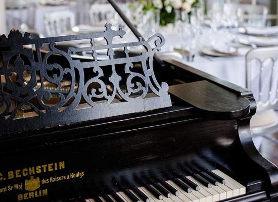 A piano at the Hale Park wedding reception